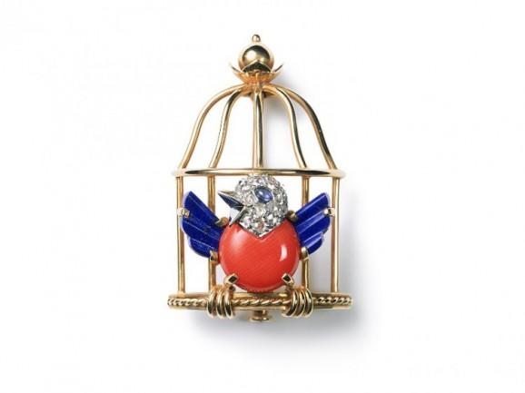 1889654-broche-oiseau-libere