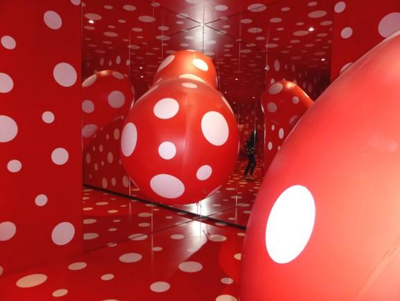 Yayoi Kusama: Dots Obsession