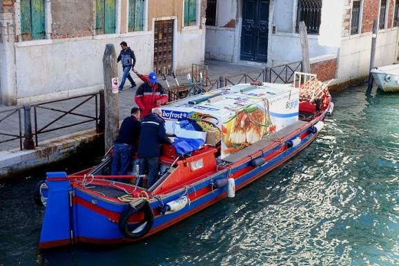 Venedig: Verkehr auf dem Wasser