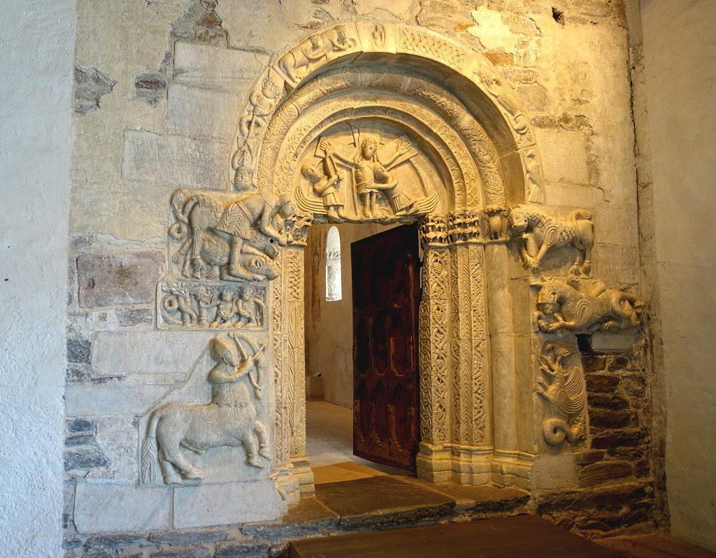 Schloss Tirol: Portal