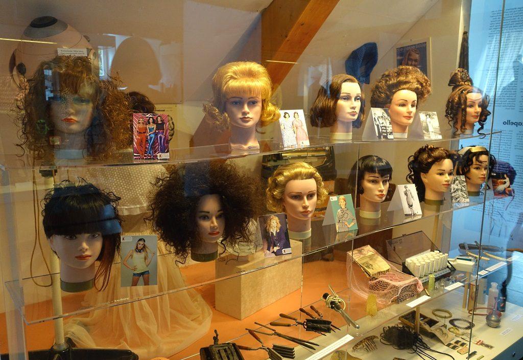 Frauenmuseum Meran: Frisuren