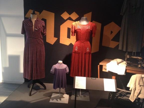 """Glanz und Grauen. Mode im """"dritten Reich"""