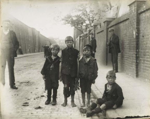Street children in victorian London