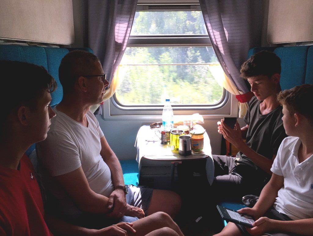 Transsibirische Eisenbahn: Zugabteil