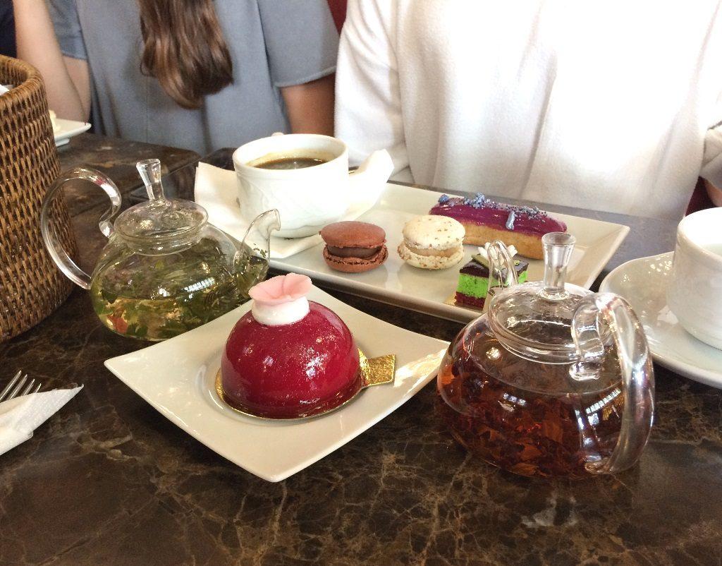 Sankt Petersburg mit Kindern: Tee bei Jelissejew