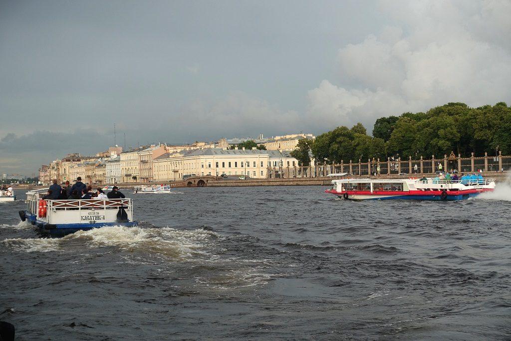 Sankt Petersburg mit Kindern: Bootstour