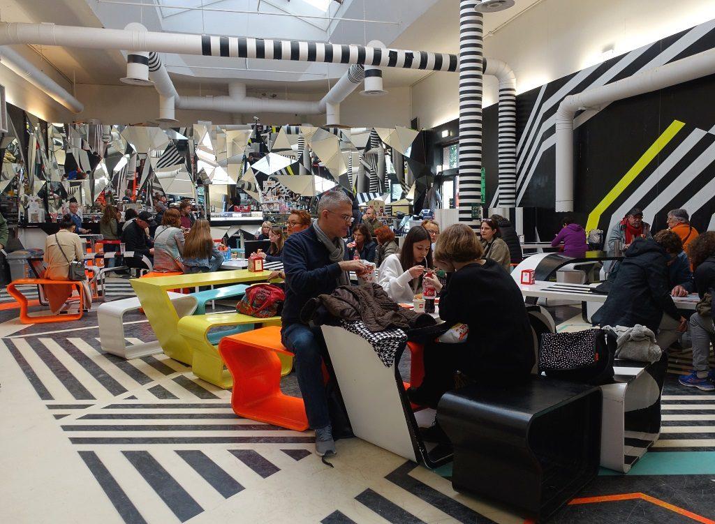 Biennale Cafeteria Tobias Rehberger