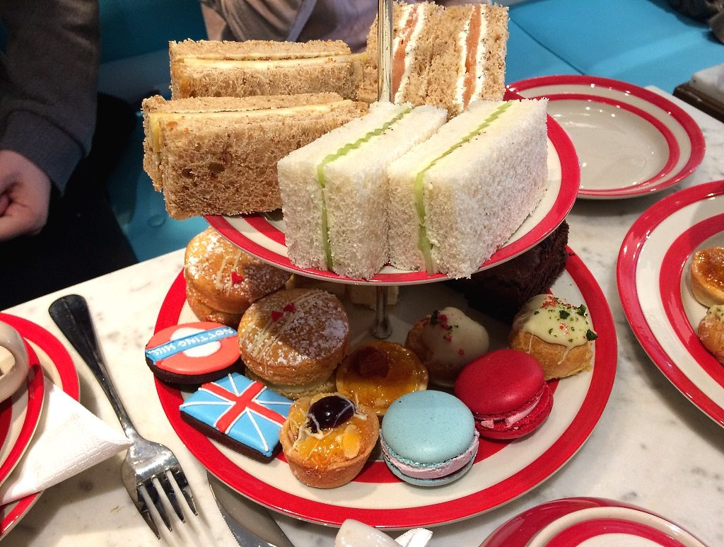 Biscuiteers: London Afternoon Tea