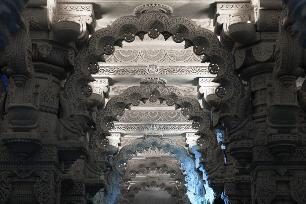 Carving Neasden Mandir
