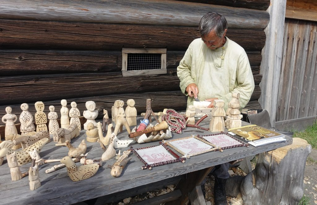Insel Kishi: Russisches Holzspielzeug