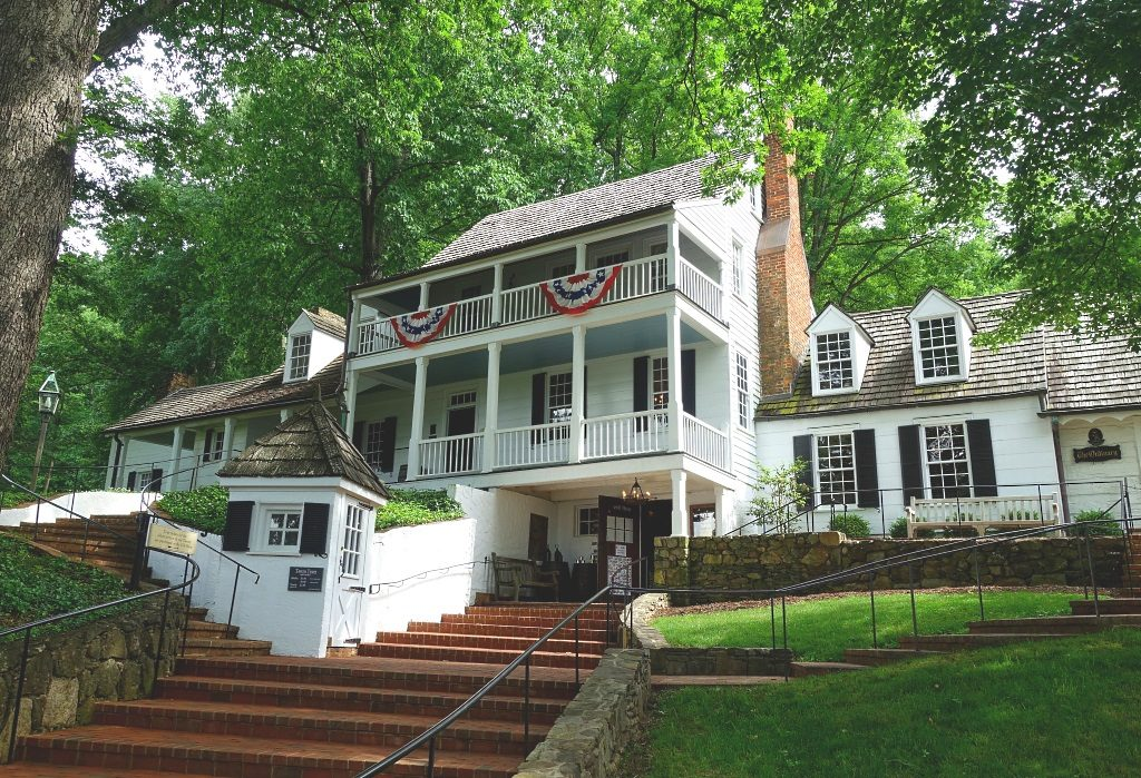 Charlottesville: Michie Tavern