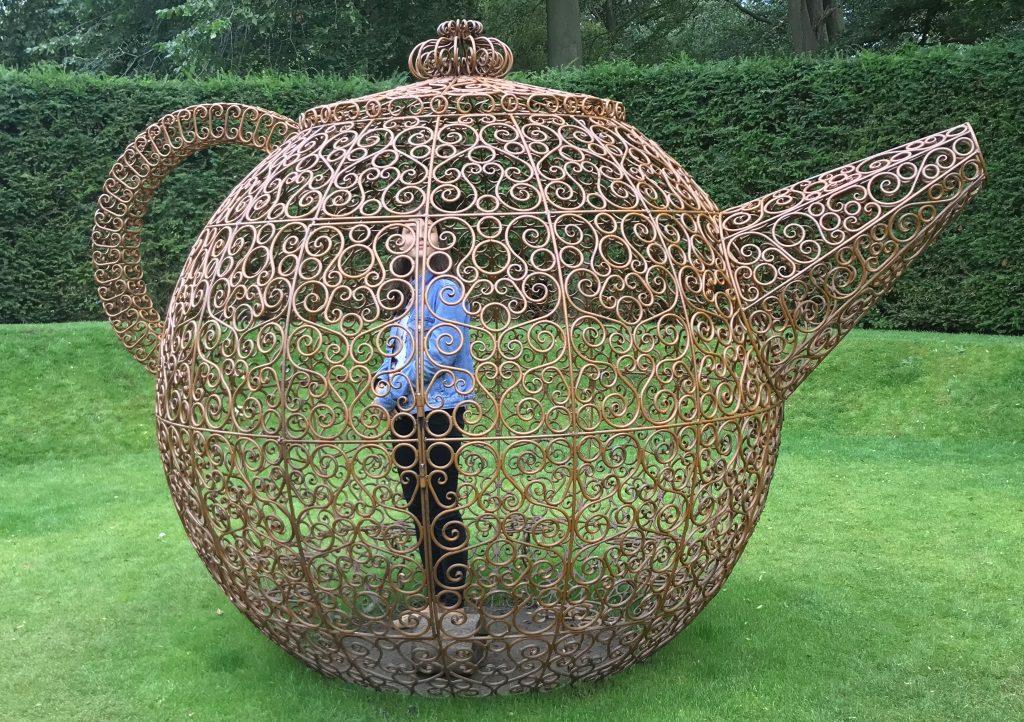 Joana Vasconcelos: Teapot