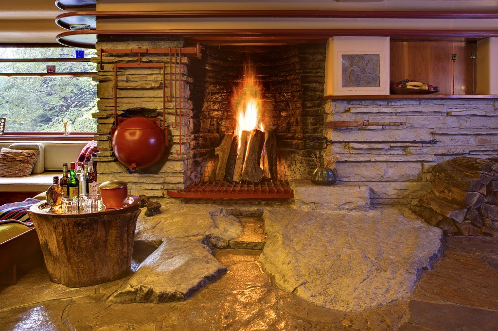 Frank Lloyd Wright: Fallingwater fireplace