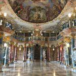 Mikroabenteuer zwischen Büchern in Ulm: Die Klosterbibliothek Wiblingen