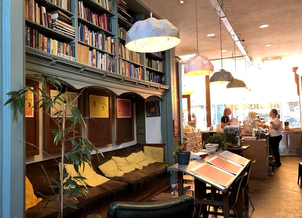 Dutch Style: Bookstor den Haag