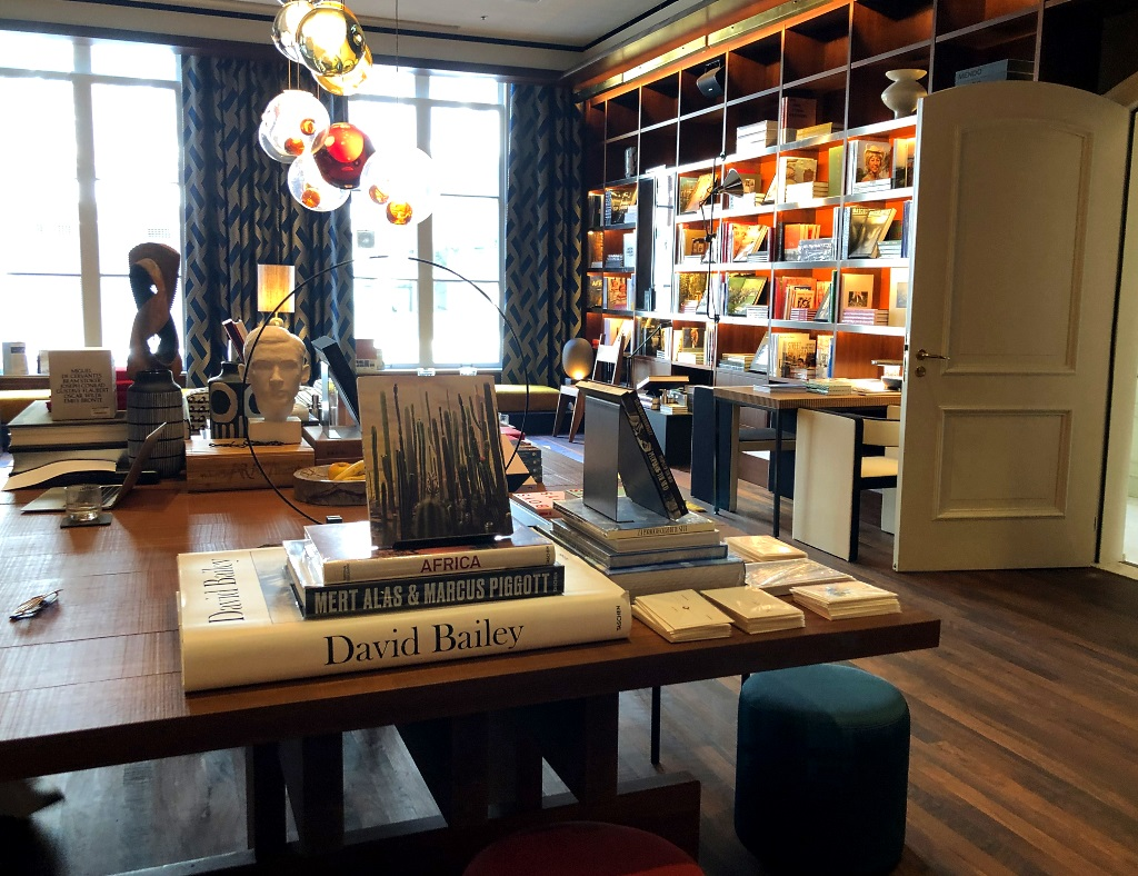 Roadtrip Niederlande: Mendo Books in Amsterdam